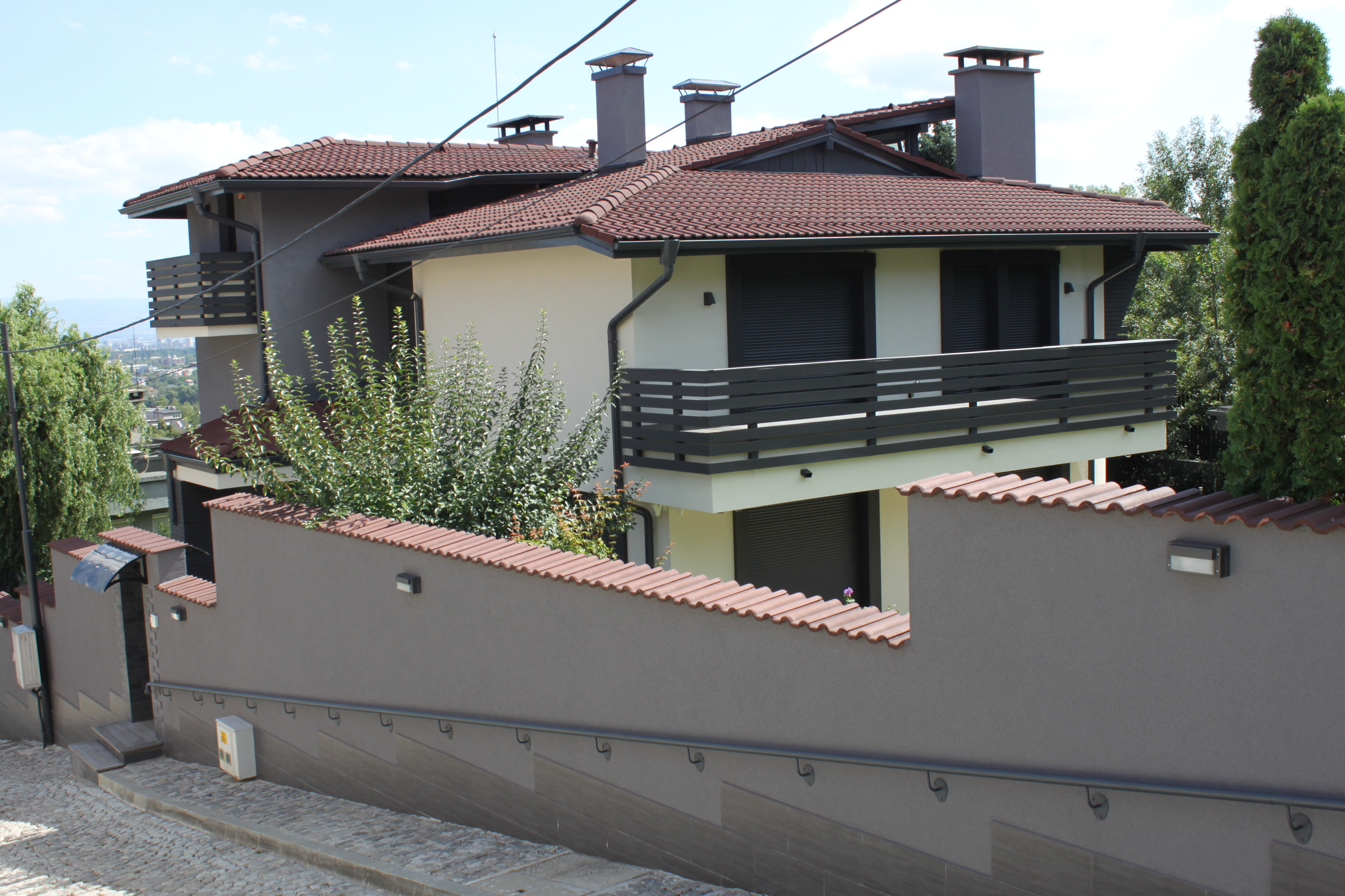 "Family house ""Boyana"""